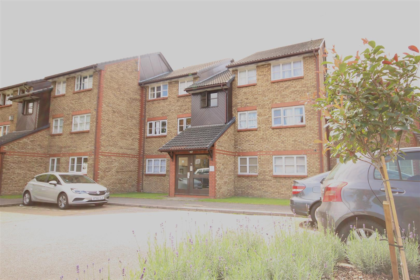 2 Bedrooms Property for sale in Kingfisher Way, Brentfield Road, London